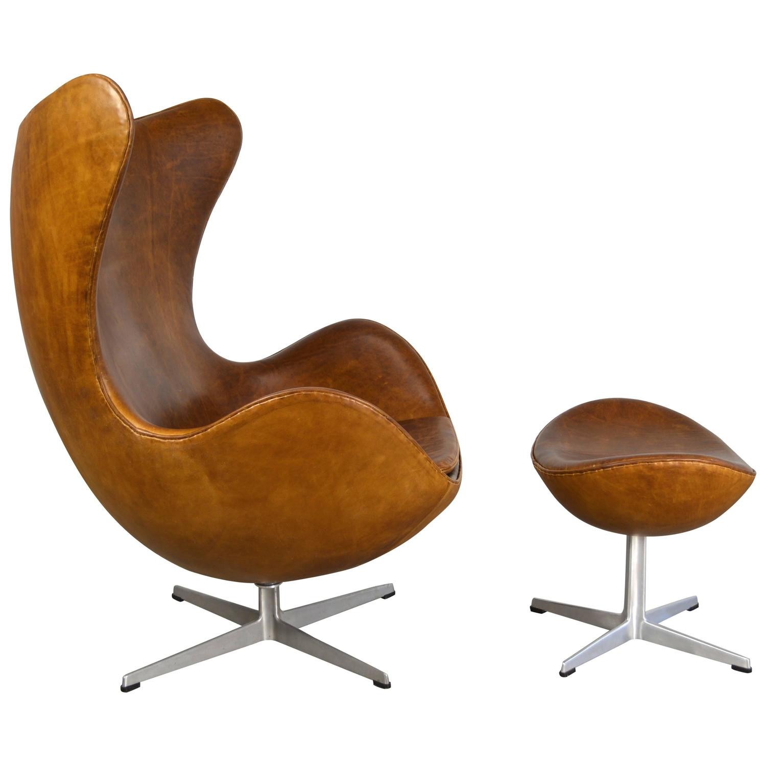 Arne jacobsen egg chair and ottoman at 1stdibs for Egg chair jacobsen