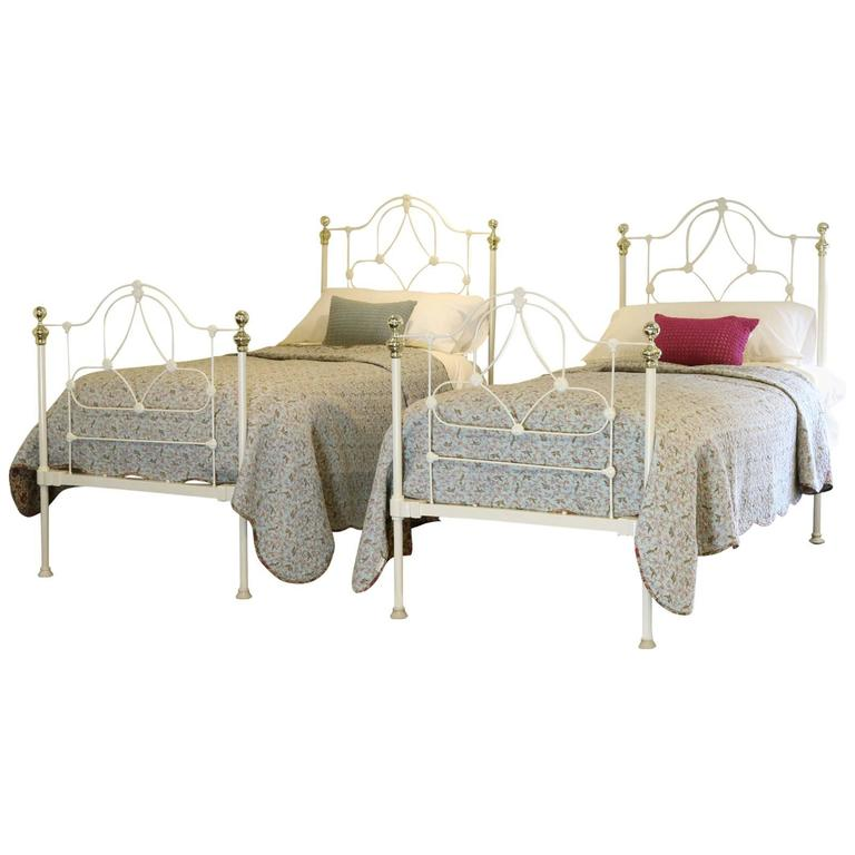 victorian style cast iron beds
