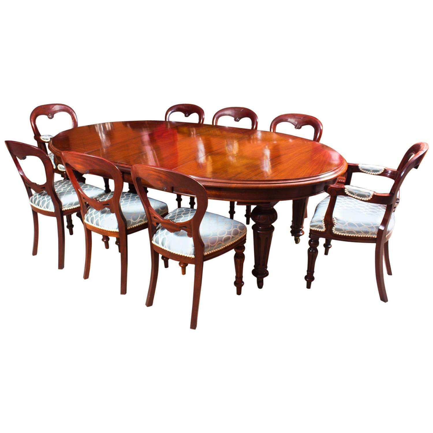 Antique Victorian Oval Dining Table and Eight Chairs, circa 1860 at 1stdibs - Antique Victorian Oval Dining Table And Eight Chairs, Circa 1860 At