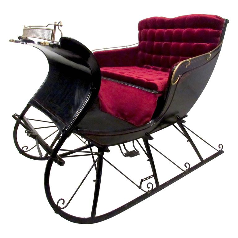 Stylish Vintage Horse Drawn Cutter Sleigh For