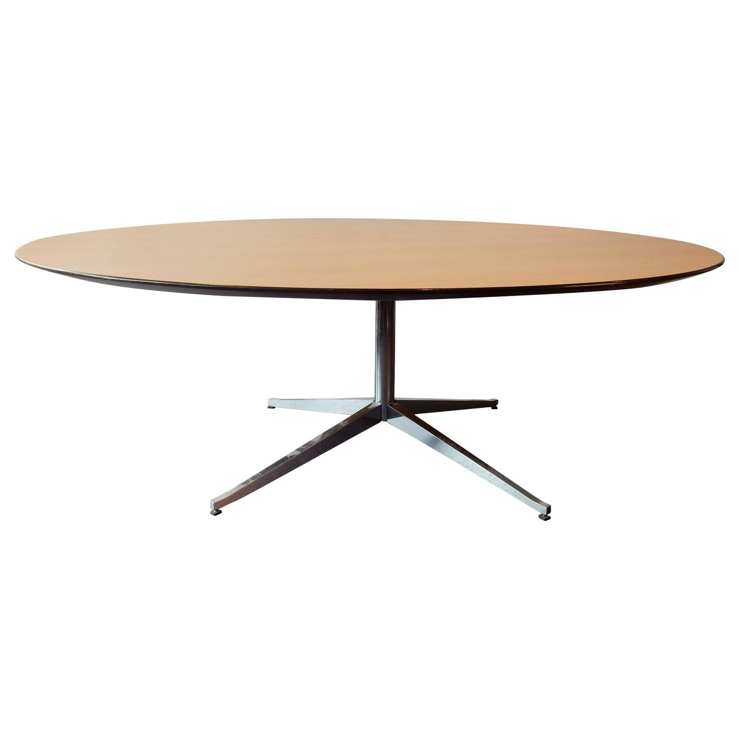 round dining or conference table by florence knoll for knoll for sale