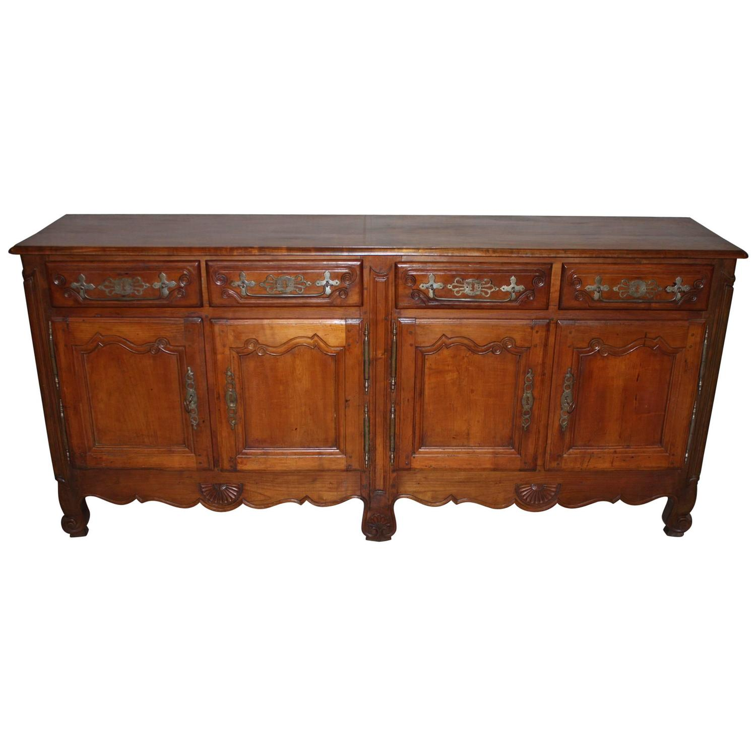 19th century louis xv walnut buffet enfilade sideboard at 1stdibs. Black Bedroom Furniture Sets. Home Design Ideas