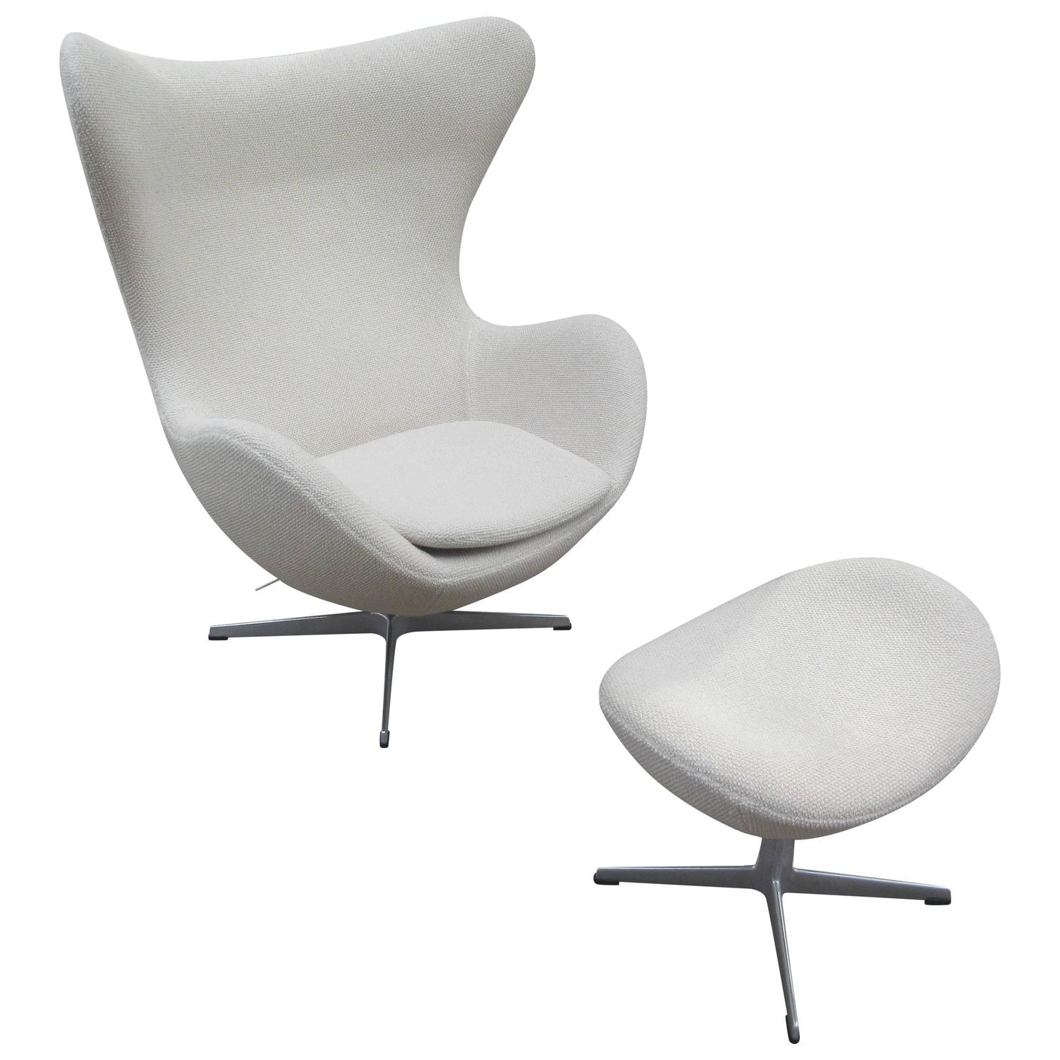 arne jacobsen egg chair and ottoman by fritz hansen for knoll at 1stdibs