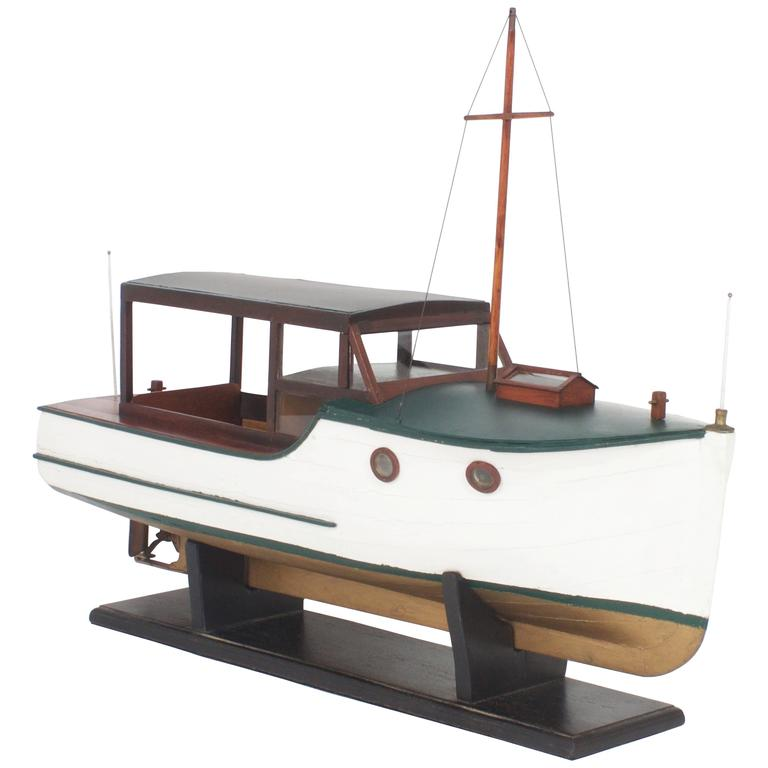 Folky Wood Model of a Cabin Cruiser