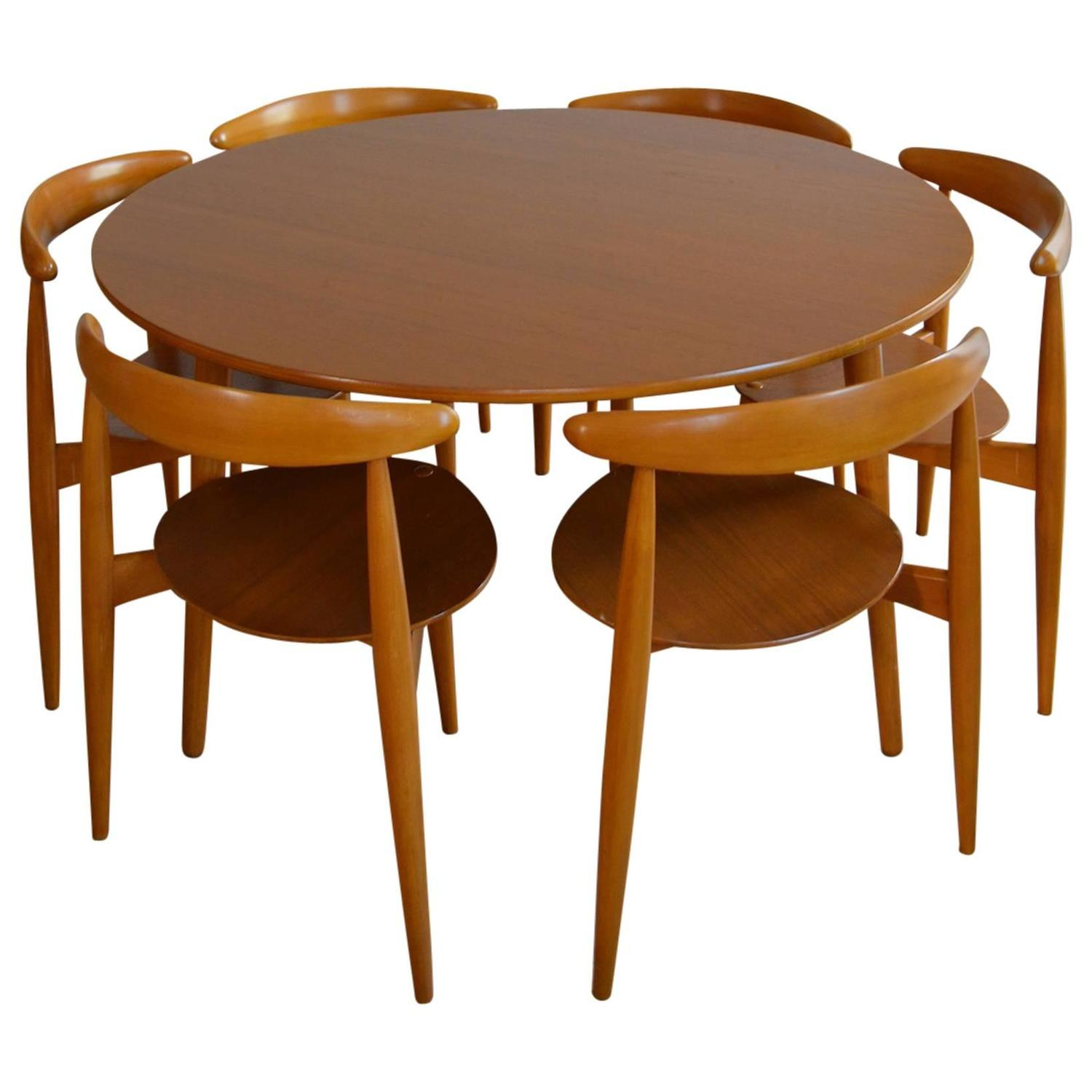 Hans Wegner for Fritz Hansen Heart Dining Table and Six Chairs