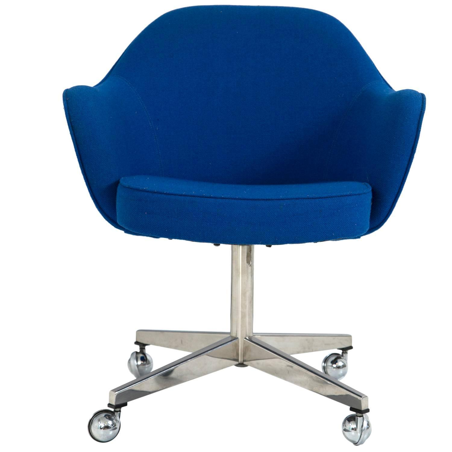knoll desk chair in vintage knoll blue at 1stdibs