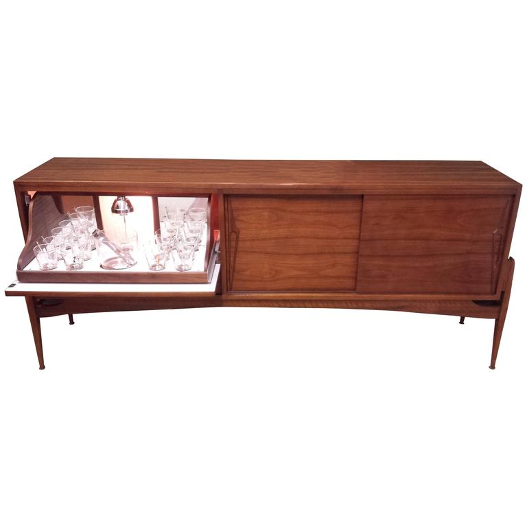 Mid Century Interior Lit Dry Bar Credenza On A Floating Style Base At 1stdibs
