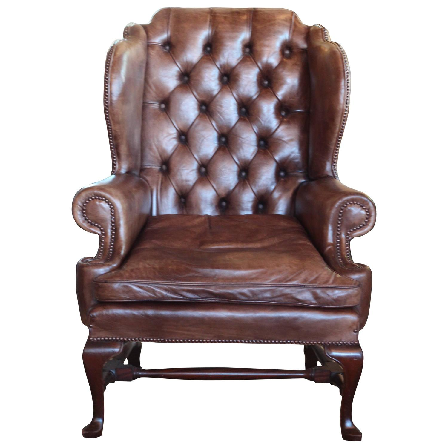 Early 20th Century English Leather Wing Chair For Sale at