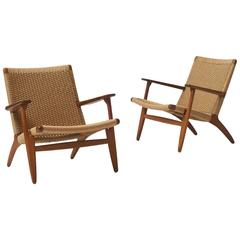Pair of Hans Wegner CH25 Lounge Chairs