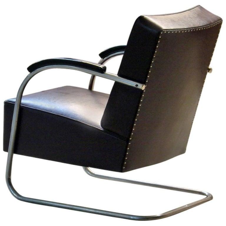 Tubular Steel Cantilever Armchair in Art Déco- Streamline Style, circa 1930 For Sale