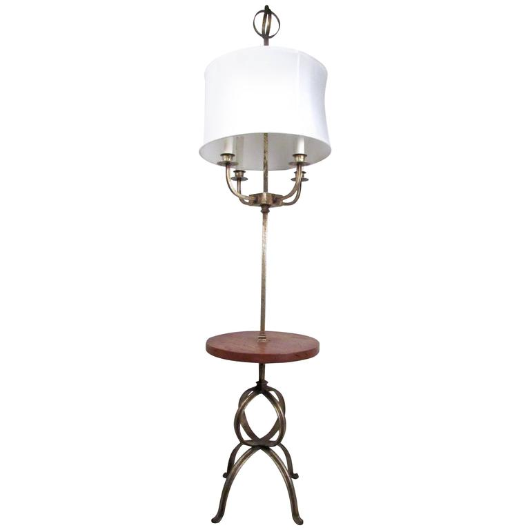 Mid-Century Modern Floor Lamp in the style of Tommi Parzinger