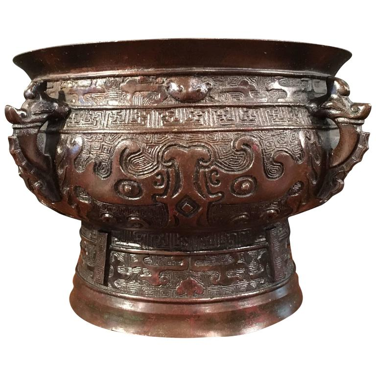 large chinese archaistic black patina bronze vase for sale at 1stdibs. Black Bedroom Furniture Sets. Home Design Ideas