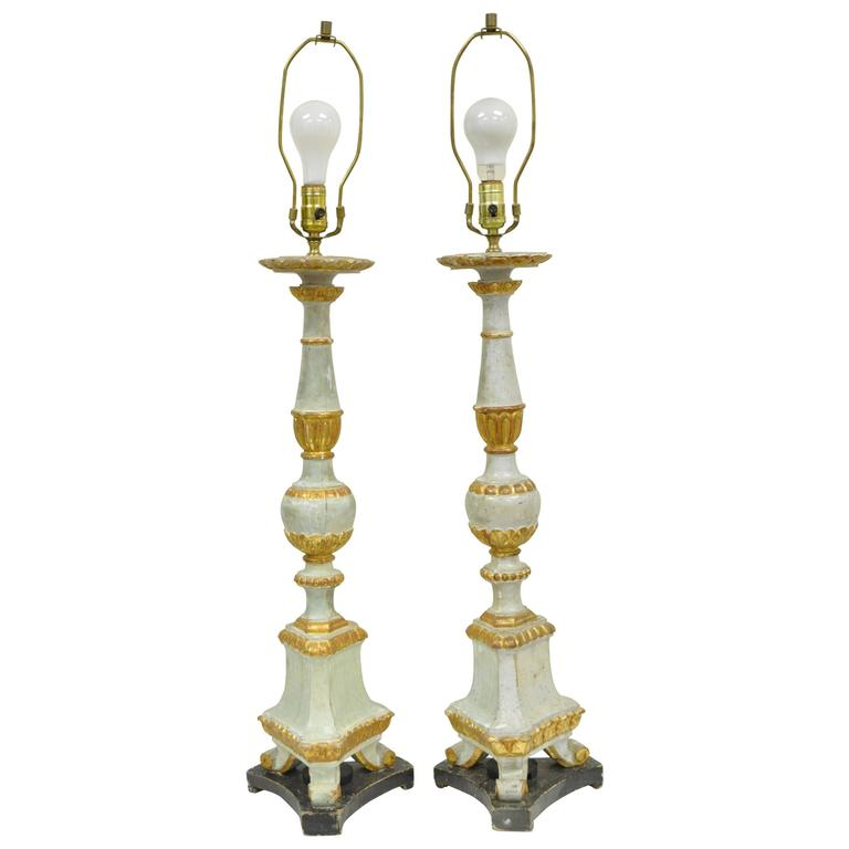 Pair of Early 20th Century Italian Hand-Carved Giltwood Neoclassical Table Lamps