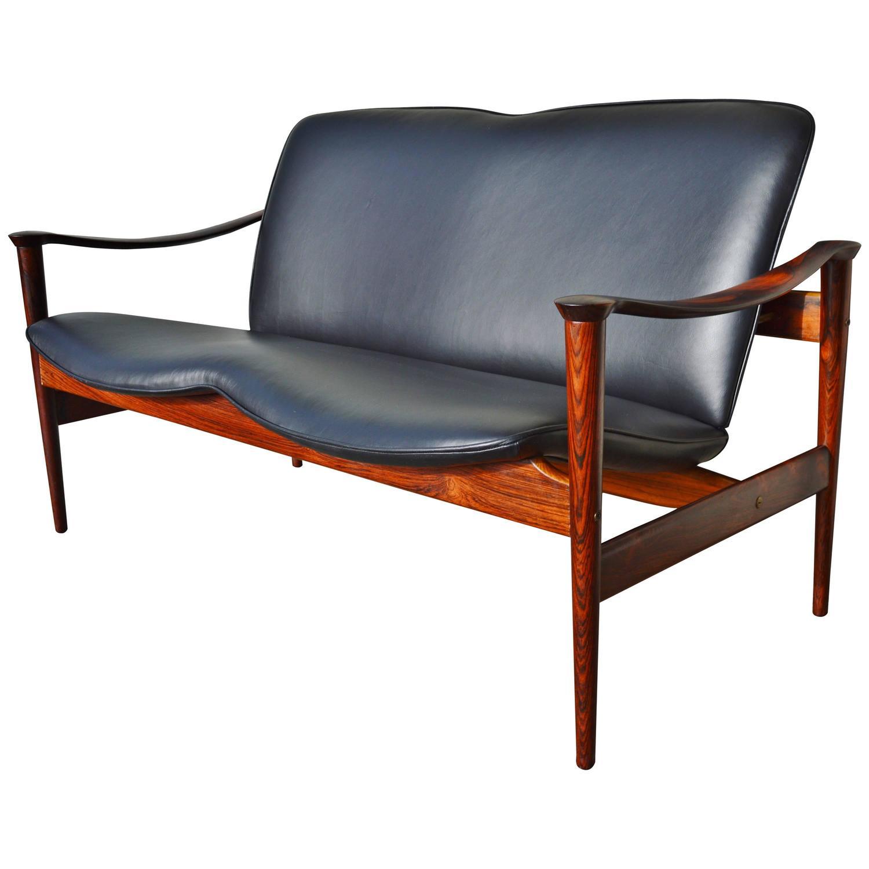 Impeccable Fredrik Kayser Rosewood Loveseat Sofa New Black