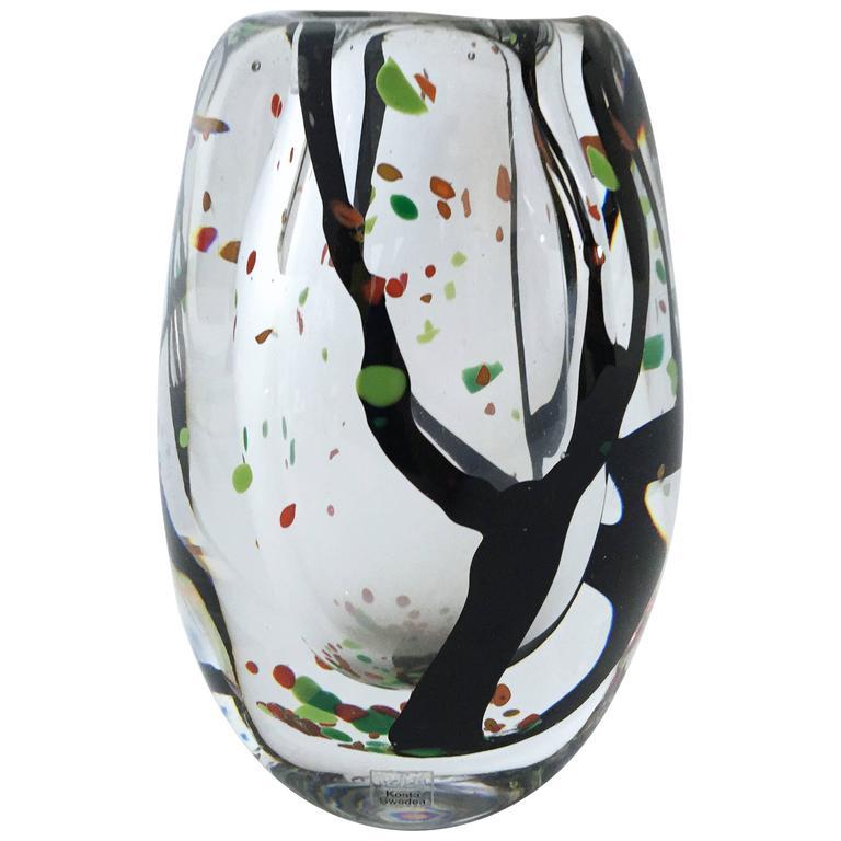Vicke Lindstrand Kosta Autumn Art Glass Vase
