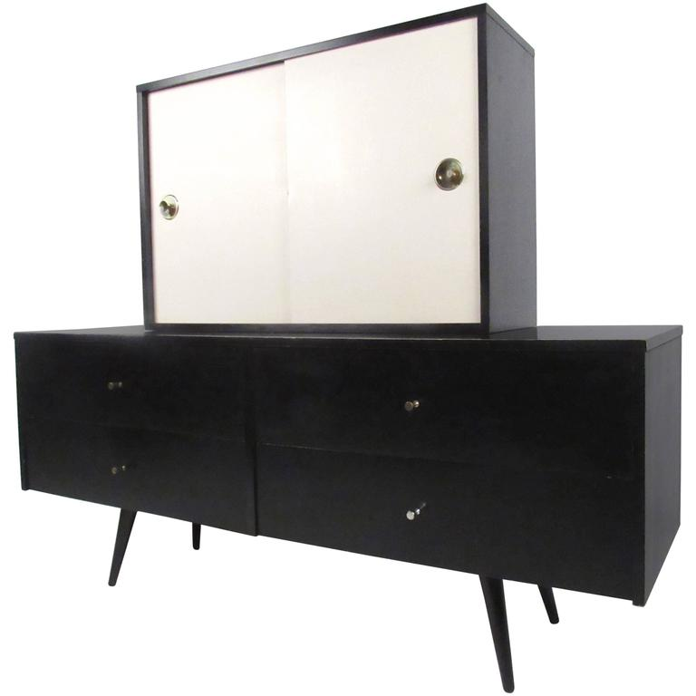 Stylish Mid-Century Modern Credenza with Hutch by Paul McCobb Planner Group