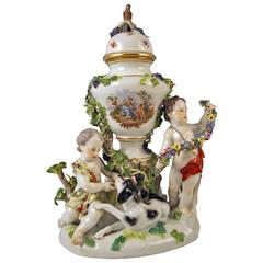 Meissen Lidded Urn Vase with Two Cherubs Rarity Kaendler Circle, circa 1850