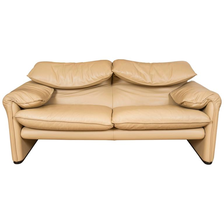 Maralunga Two-Seat Sofa in Leather by Vico Magistretti for Cassina of Italy 1