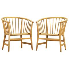 Pair of Beautiful Danish Lounge Chairs by Hans J. Wegner for PP Møbler PP 112
