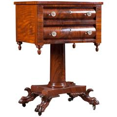 Neoclassical American Empire Side or Lamp Table in Mahogany, circa 1820