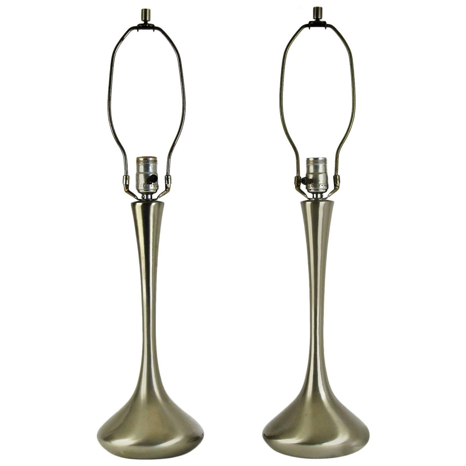 pair of laurel brushed nickel moderne table lamps at 1stdibs. Black Bedroom Furniture Sets. Home Design Ideas