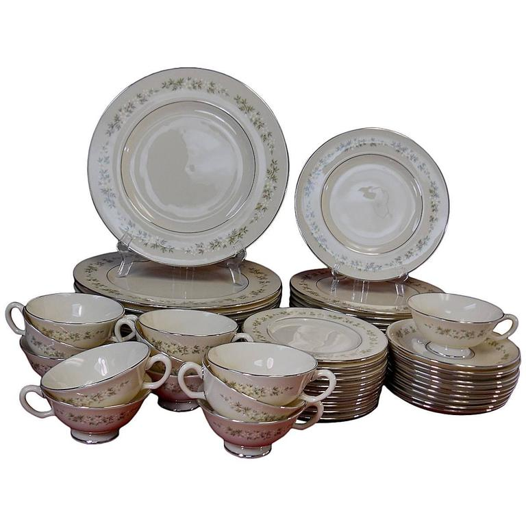 Lenox China Brookdale Pattern 58 Piece Set Service 12 2