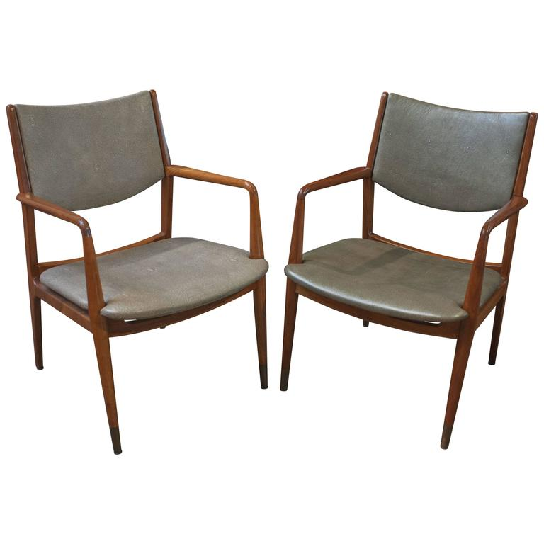 Pair Walnut And Reen Leather Armchairs By George Reinoehl For Stow Davis