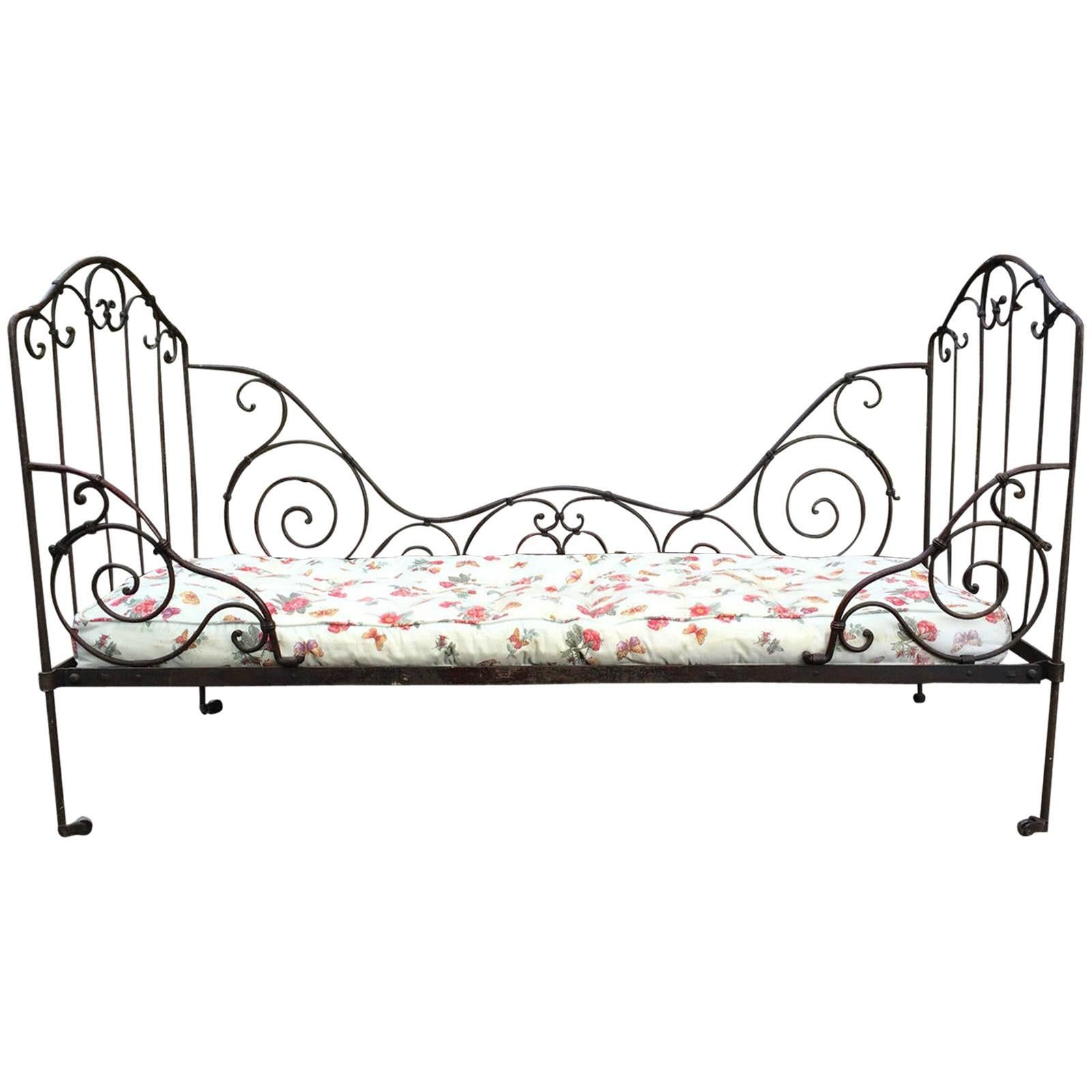 Picture of: Antique Wrought Iron Beds 1 For Sale On 1stdibs