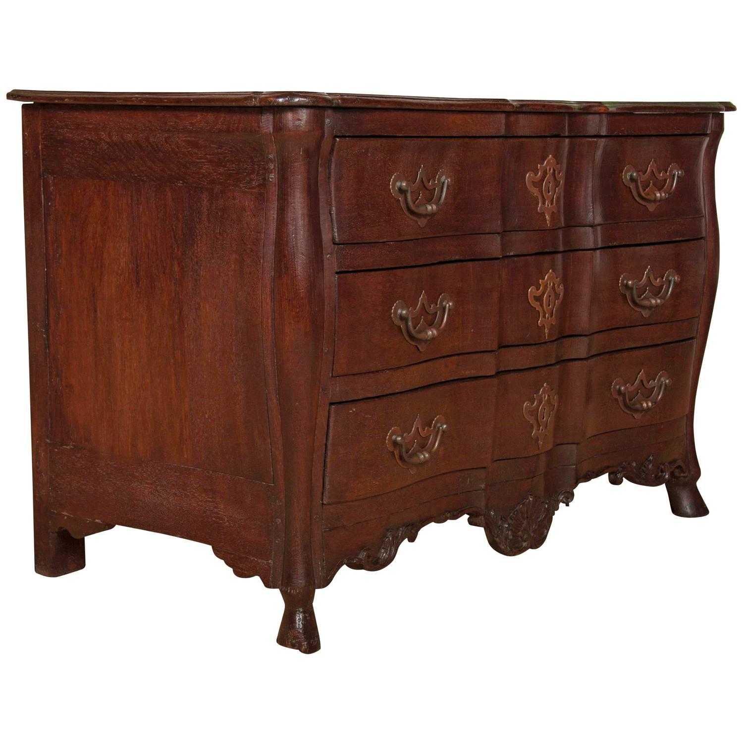 robust louis xv provincial bureau in oak for sale at 1stdibs. Black Bedroom Furniture Sets. Home Design Ideas