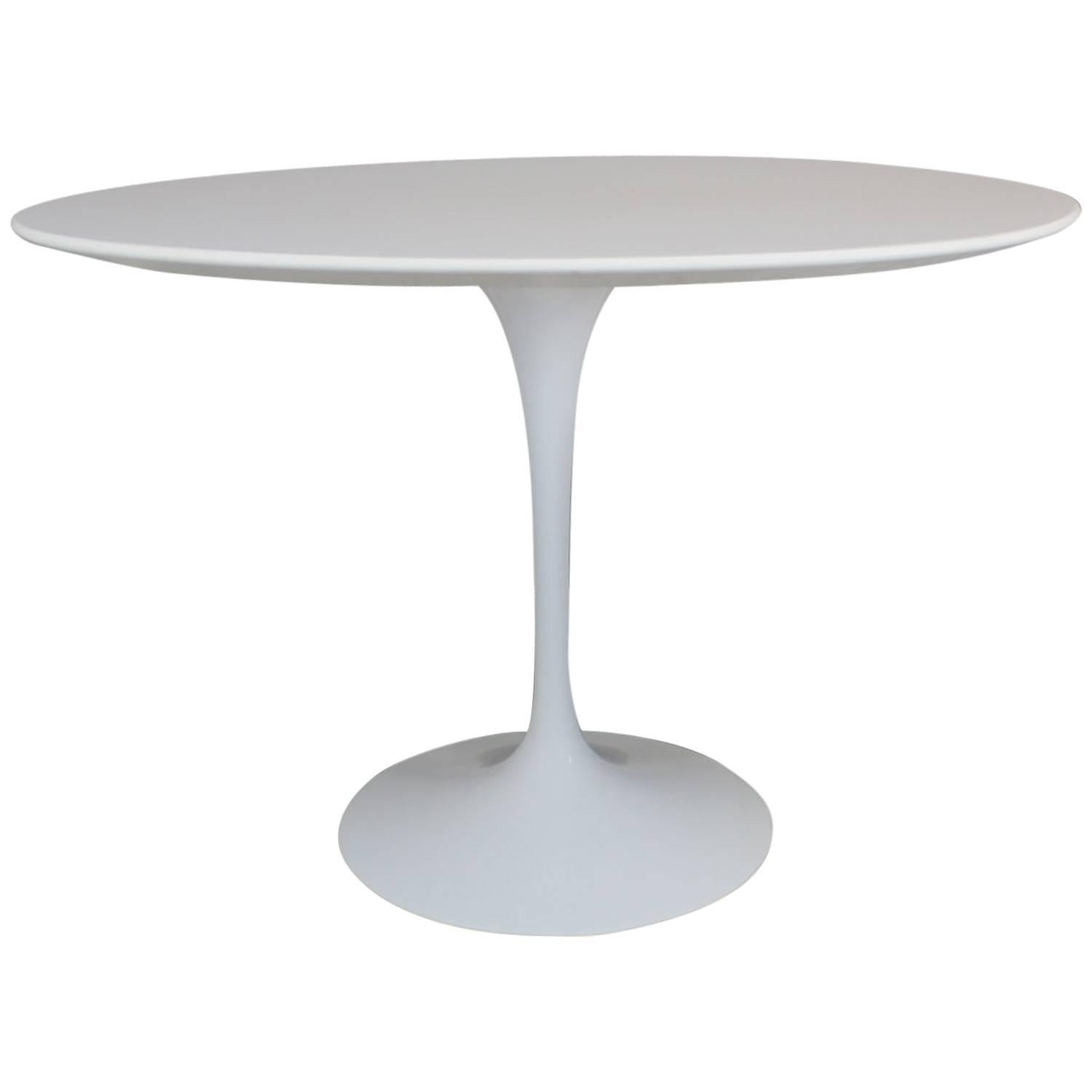 eero saarinen tulip table for knoll for sale at 1stdibs. Black Bedroom Furniture Sets. Home Design Ideas