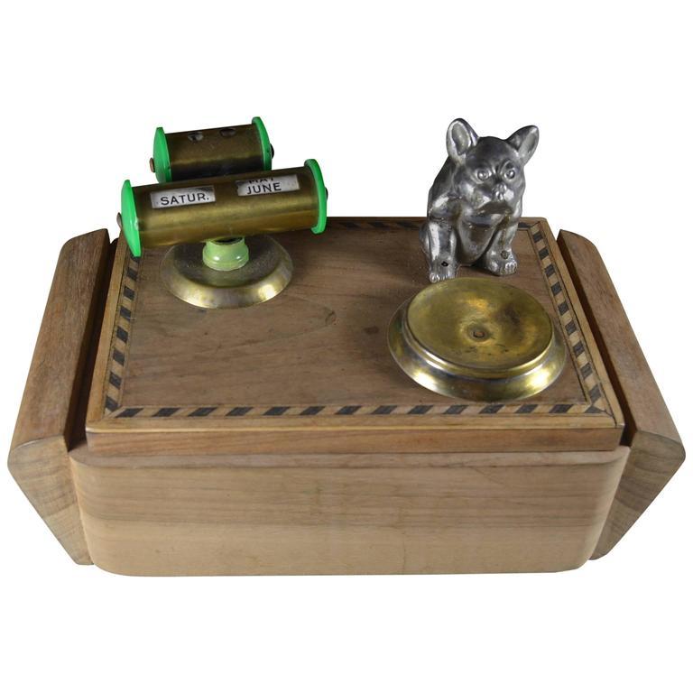 Art Deco Wooden Desktop Cigarette Box Bulldog