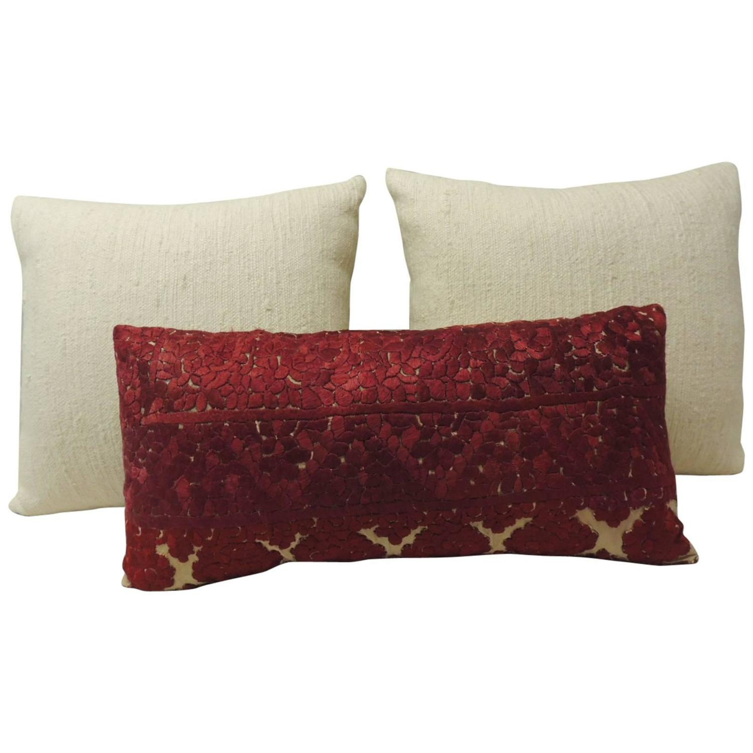 Throw Pillows Malum : Decorative Moroccan Pillows For Sale at 1stdibs