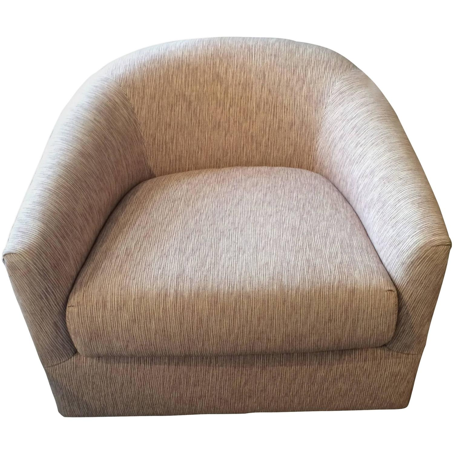 Rounded Mid Century Modern Swivel Club Chair At 1stdibs