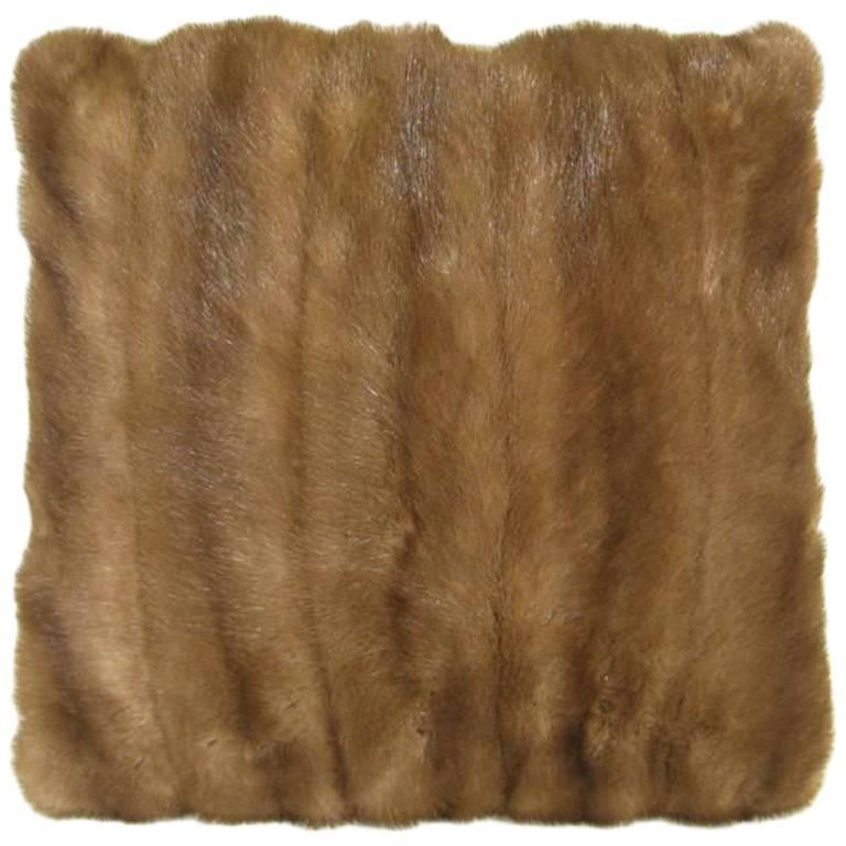Selection of Luxurious Single and Pairs of Mink, Fox, Fur Pillows For Sale