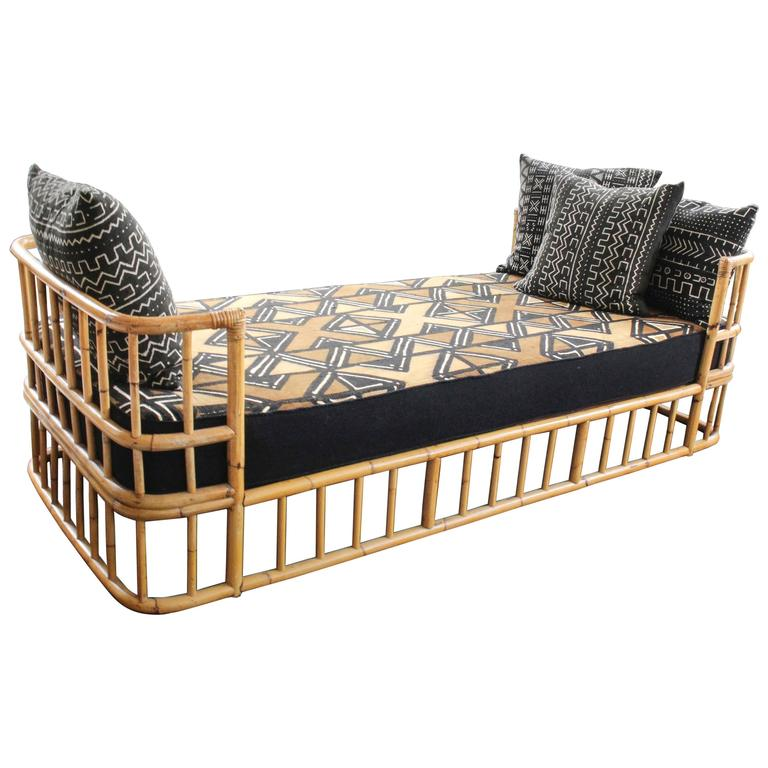 mid 20th century french rattan daybed at 1stdibs. Black Bedroom Furniture Sets. Home Design Ideas