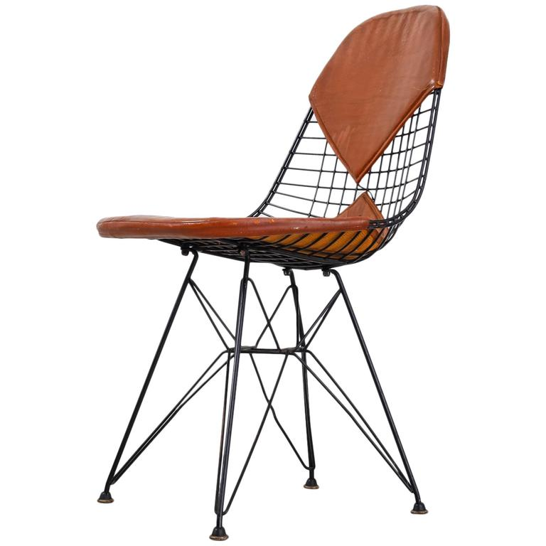 eames early dkr wire chair with leather bikini seat on eiffel frame usa 1950s for sale at 1stdibs. Black Bedroom Furniture Sets. Home Design Ideas