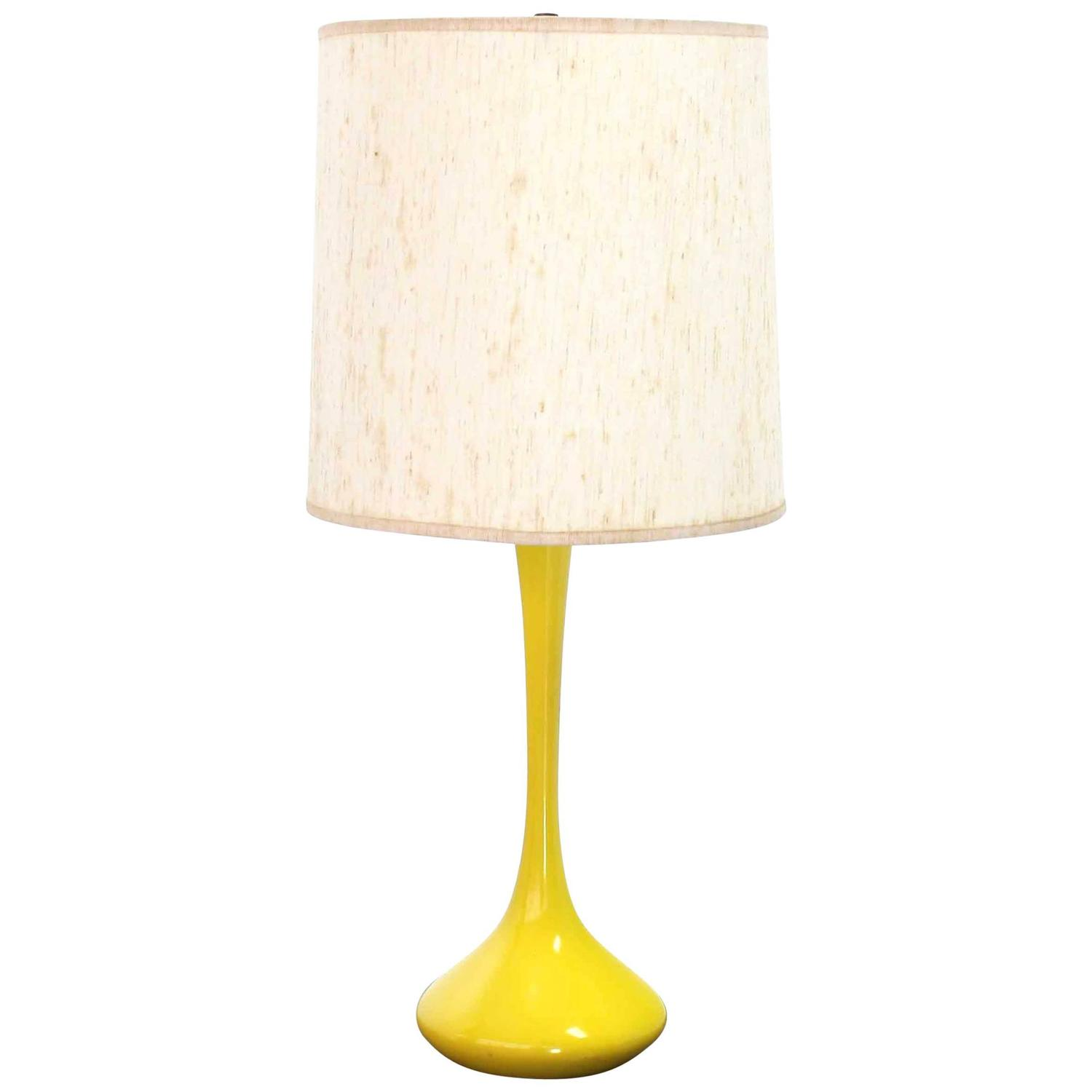 mid century modern table lamp for sale at 1stdibs. Black Bedroom Furniture Sets. Home Design Ideas