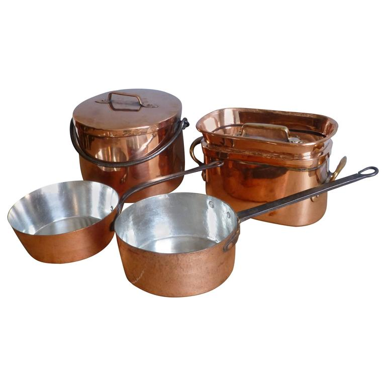 magnificent set of re tinned copper pans and pots at 1stdibs. Black Bedroom Furniture Sets. Home Design Ideas