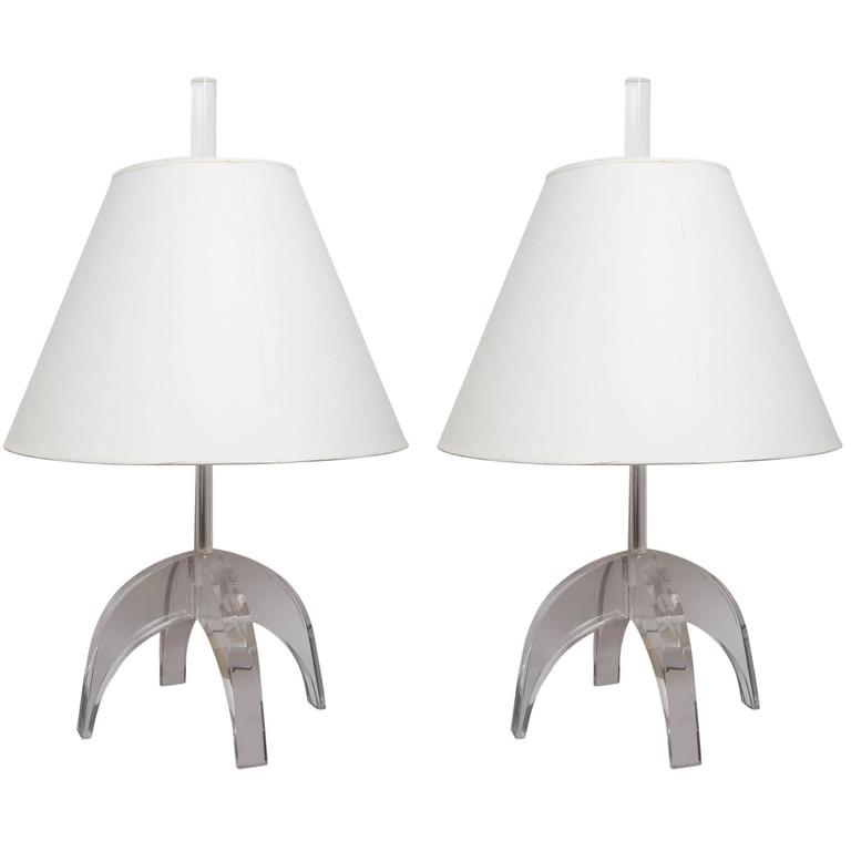 Pair of Lucite Lamps 1