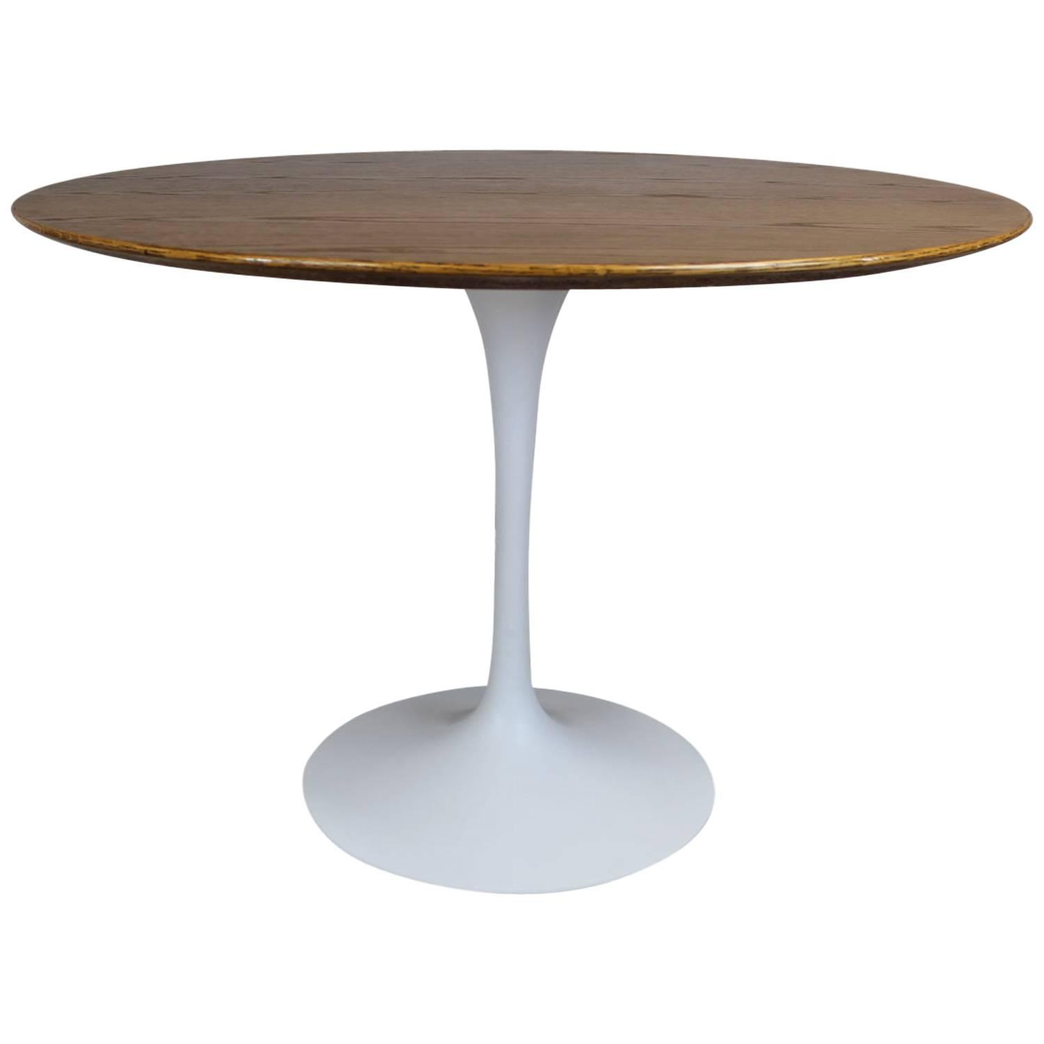 eero saarinen tulip base dining table at 1stdibs. Black Bedroom Furniture Sets. Home Design Ideas