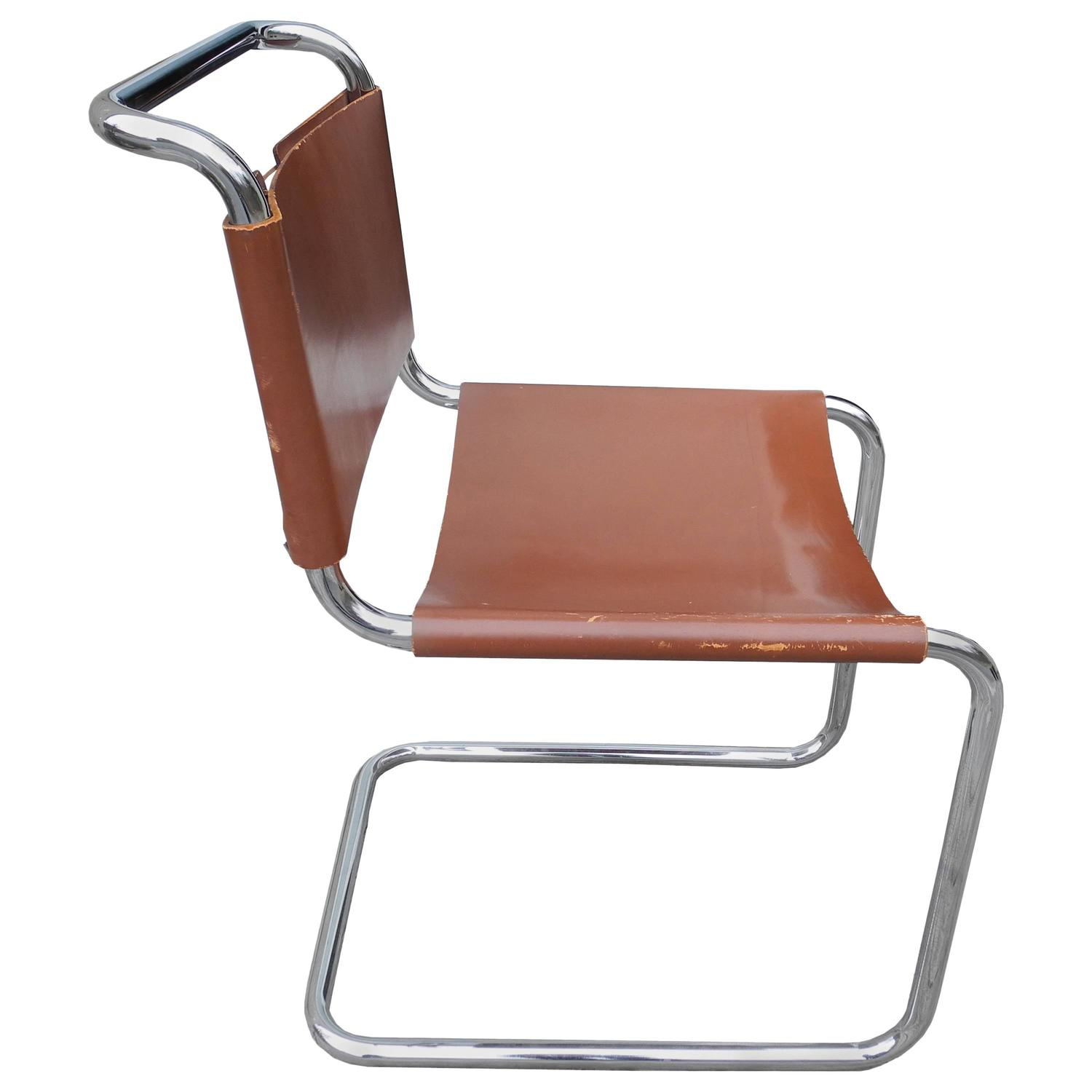 Bauhaus Design Cantilevered Tubular Metal and Saddle Leather Chair