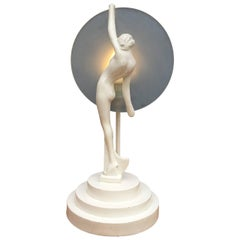 Mid-Century Modern Sculptural Table Lamp Of a Lady