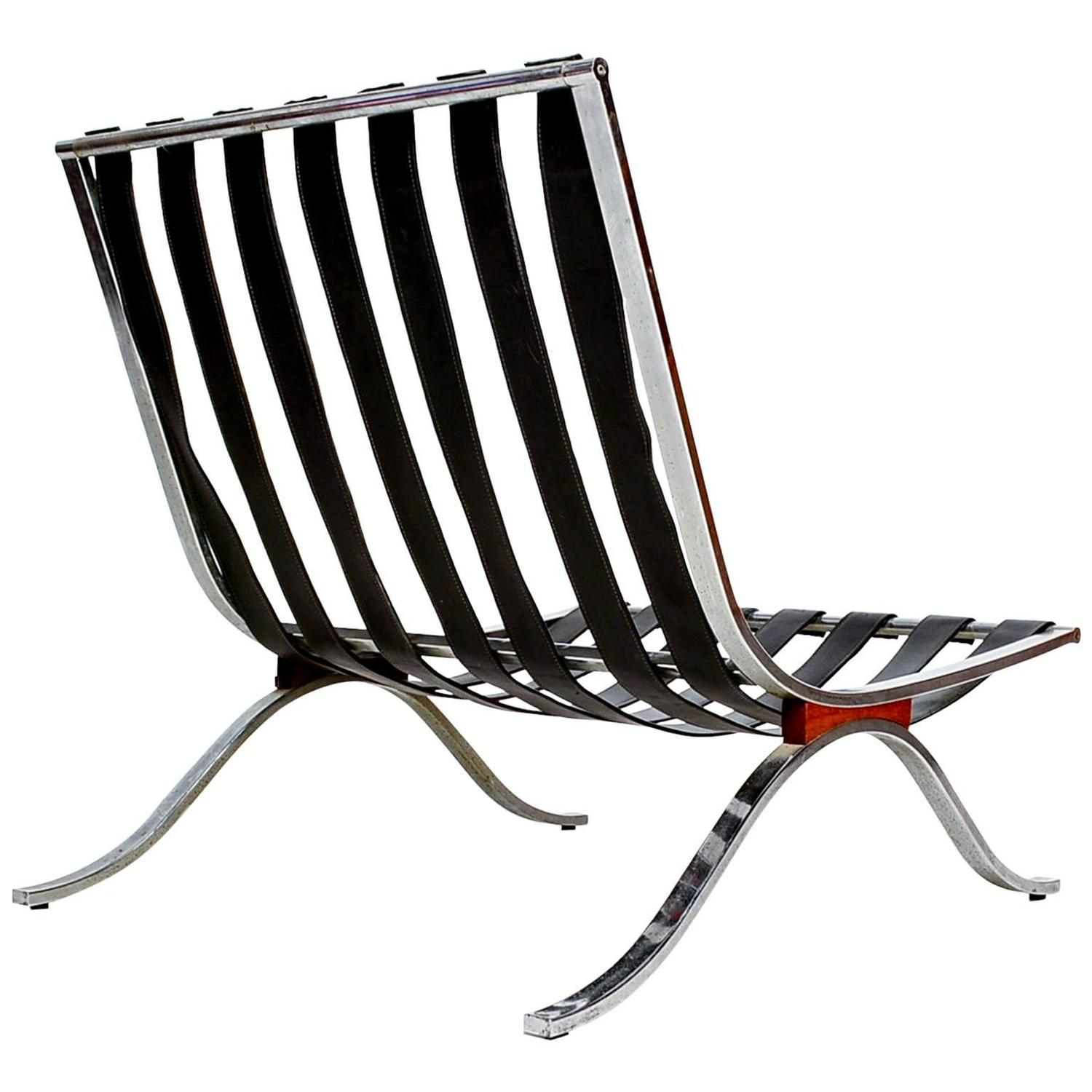 Selig Lounge Chair Barcelona Style For Sale at 1stdibs