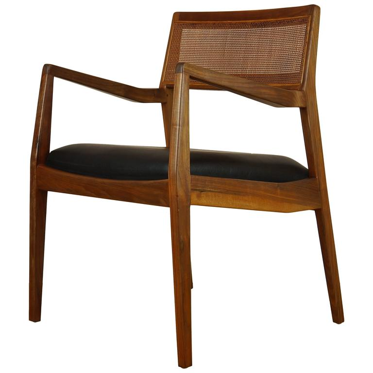 Vintage 1950s Walnut C140 Playboy Lounge Chair Or Armchair By Jens Risom  For Sale