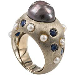 Ring Vintage in White Satin Gold, Black Pearl and Sapphires