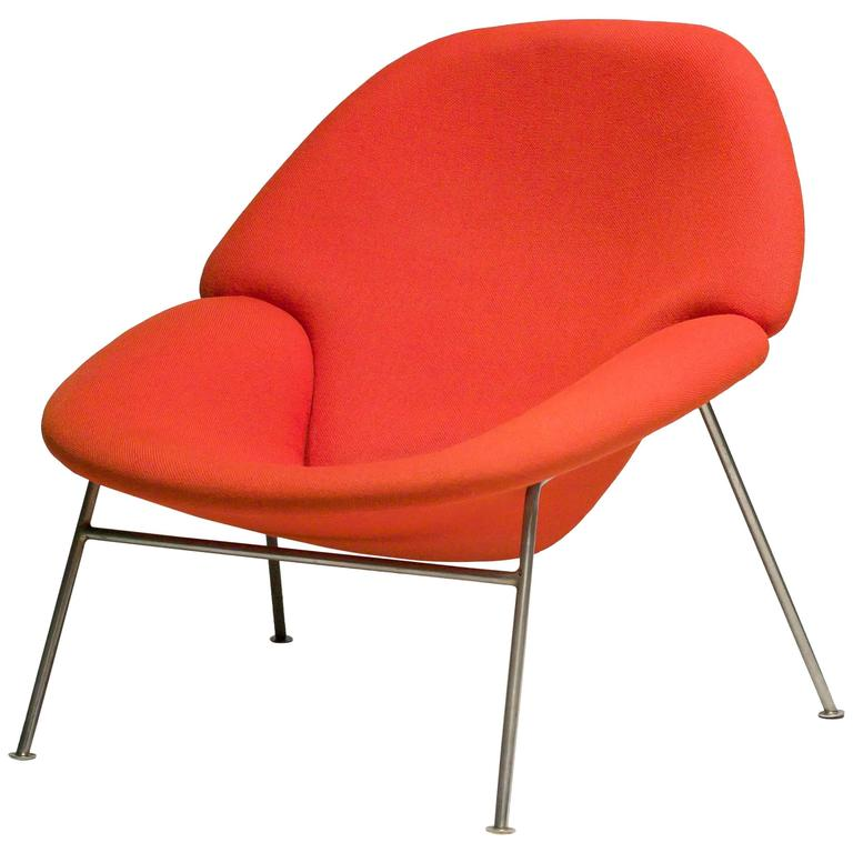 Pierre Paulin F555 Lounge Chair 1