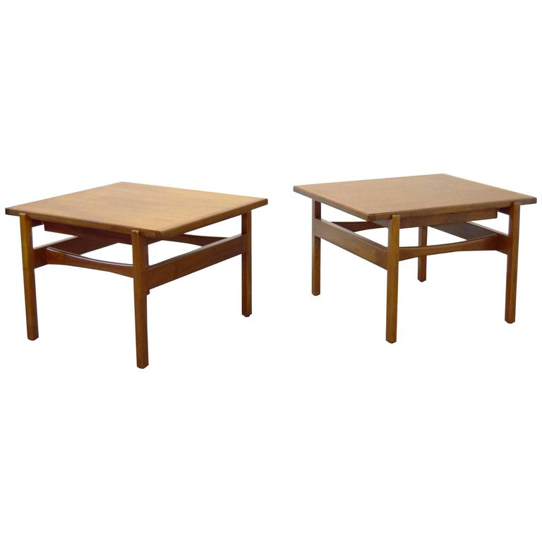 Pair of Jens Risom End / Side Tables