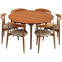 Hans J. Wegner 'Heart' Set of Table and Six Leather Upholstered Chairs