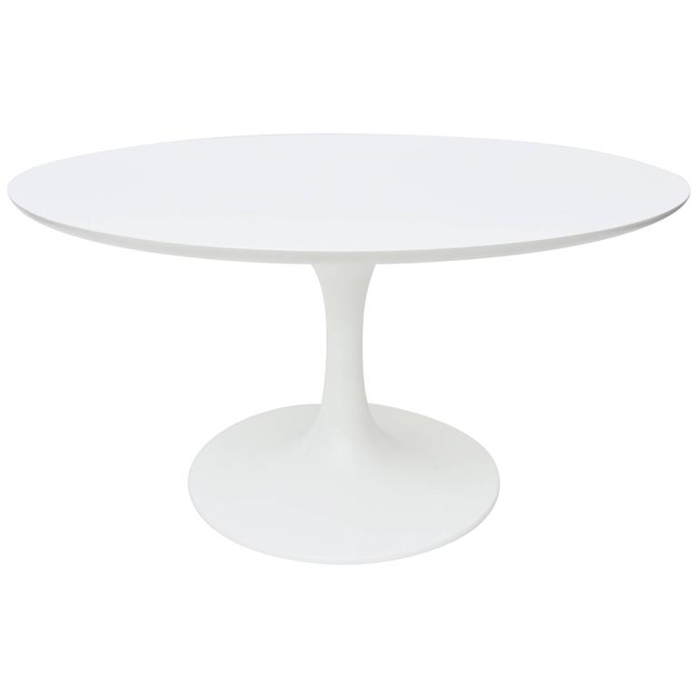 Oval Saarinen Small Side Tulip Pedestal Table At 1stdibs