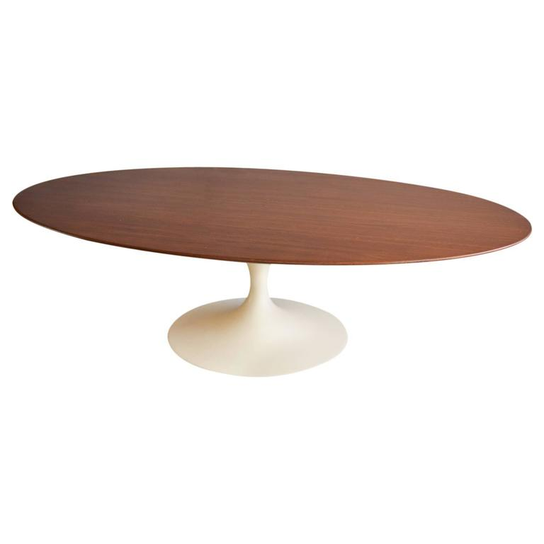 Rare Walnut Oval Coffee Table By Eero Saarinen For Knoll At 1stdibs